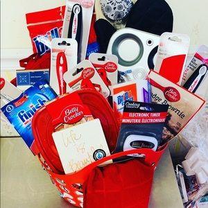 Other - Kitchen Essential Gift Basket